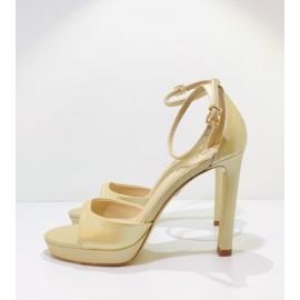 Sandali in pelle col. oro...